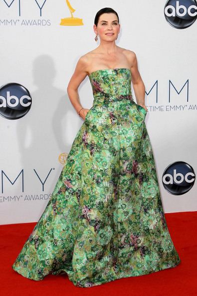 Julianna Margulies in Giambattista Valli