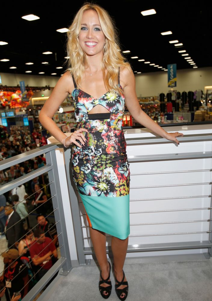 Anna Camp at the True Blood Cast Autograph Signing