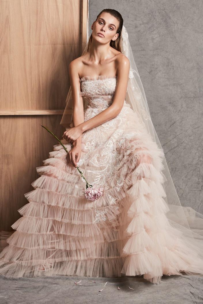 Wedding dress 2018 fall fashions