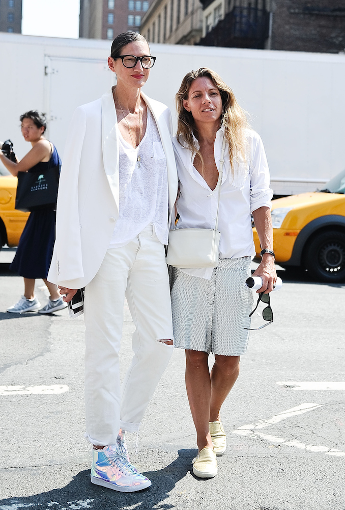 How to Wear White Jeans - theFashionSpot