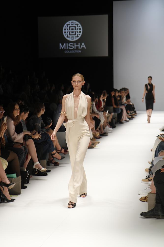 Dear kim kardashian misha collection love dress
