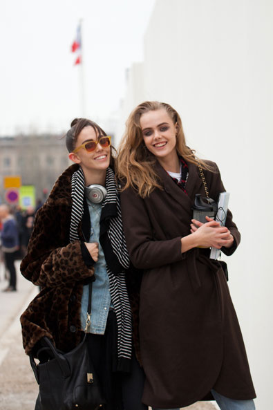 Ruby and Frida leaving Louis Vuitton