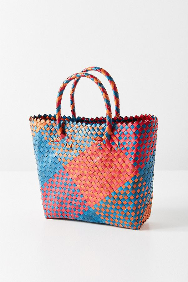 Urban Outfitters  Raffia and Straw Basket Bags Are the Surprising City Essential for Spring 2018 urban outfitters woven small basket bag