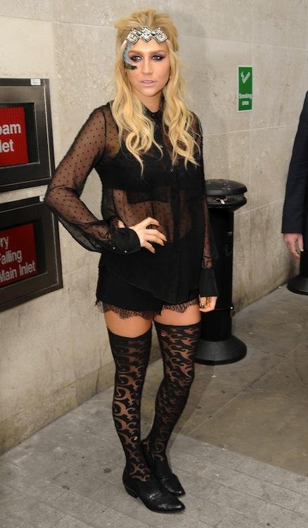 Kesha's Revealing Top