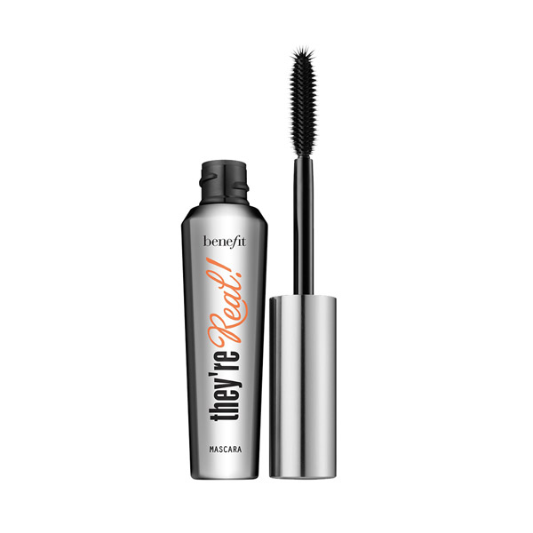 10 Best Mascaras of 2016 for Long, Lush Lashes - theFashionSpot