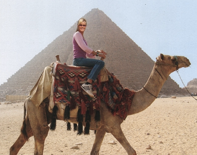 Heidi Klum Visits the Pyramids