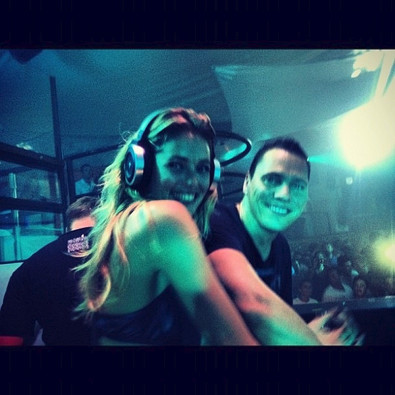 Doutzen Kroes DJs with Tiesto