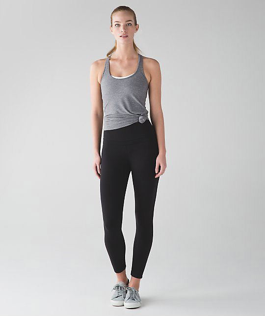 How to Wear Yoga Pants - theFashionSpot