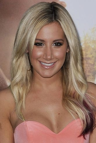 Ashley Tisdale premiere of The Lucky One Hollywood cropped
