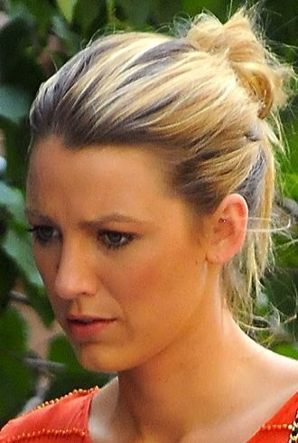 Blake Lively filming Gossip Girl New York City cropped