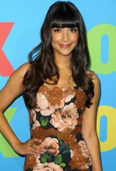 Hannah Simone Promotes 'New Girl' Decked Out in Dolce & Gabbana