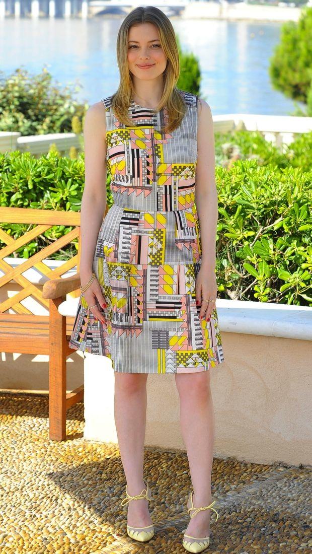 Gillian Jacobs wears a geometric patterned Novi Spring 2014 dress