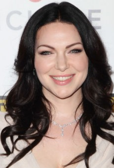 Get Laura Prepon's Summery Smoky Eye at Home
