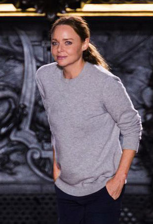 Stella mcCartney in a laidback casual look