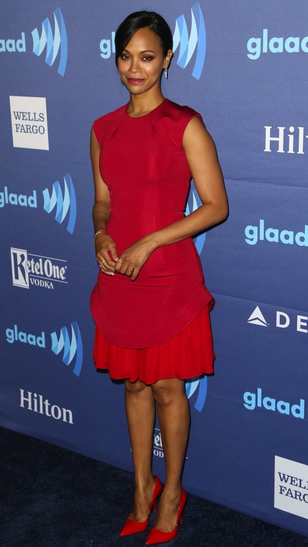 Zoe Saldana steps out for the 2015 GLAAD Media Awards in a red Cushnie et Ochs dress