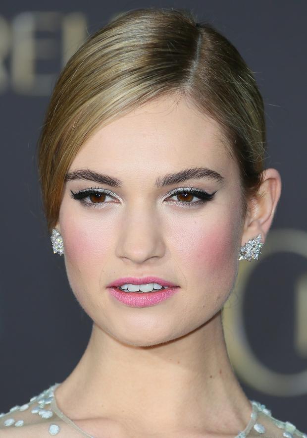 lily-james-cinderella-premiere-makeup