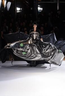 Yohji Yamamoto Fall 2015 Runway