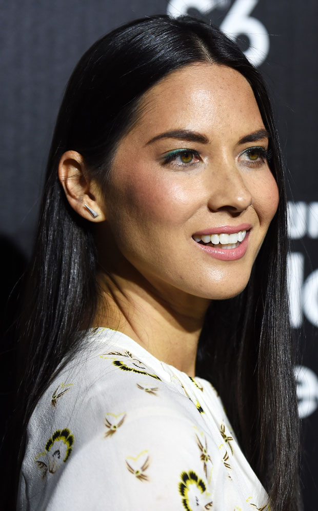 Get The Look Olivia Munn S Sleek Straight Hair And