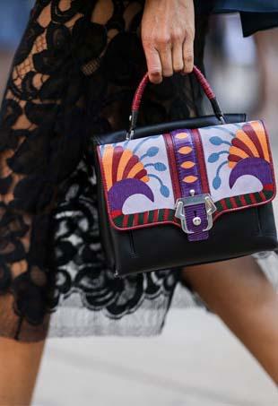Street style handbag