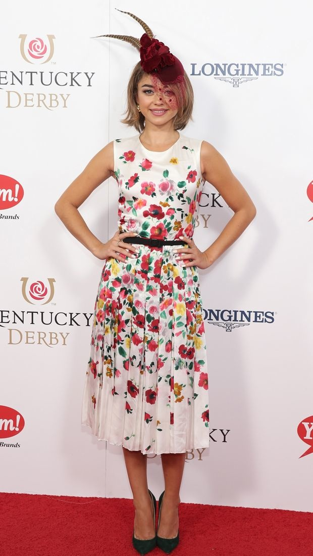 Sarah Hyland sports a poppy print Oscar de la Renta dress to the Kentucky Derby
