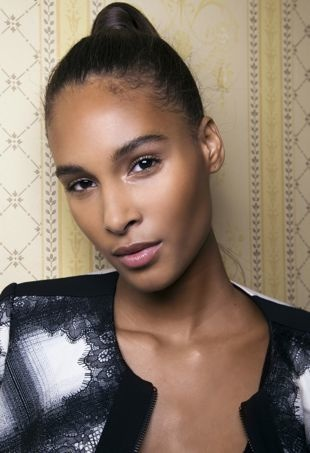 The Black Girl S Guide To Gorgeous Glowy Skin Thefashionspot