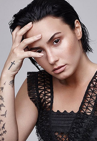 After clapping back at an unkind Mariah Carey vs. Ariana Grande meme and rousing the ire of Mariah's fanbase, Demi Lovato is sticking to Snapchat.
