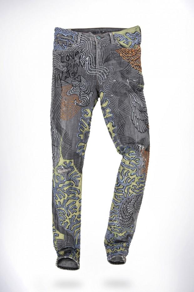 Kate Moss' customized jeans by Johny Dar.