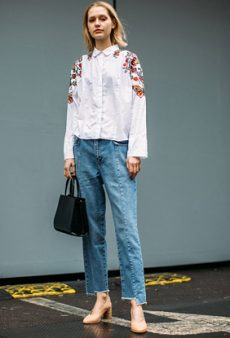 Street Style: All the Best Dressed Women at Men's Fashion Week Fall 2017