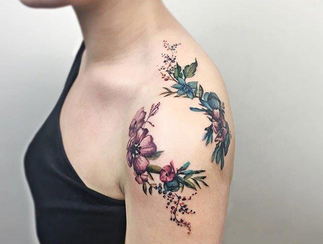 Beautiful Shoulder Tattoos For Women Thefashionspot