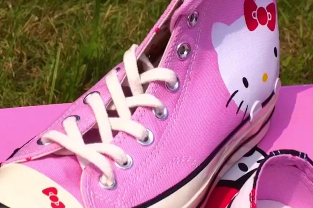 The New Converse x Hello Kitty Collab Is Straight Out of Your Back to School  Dreams - theFashionSpot f0da01dfd