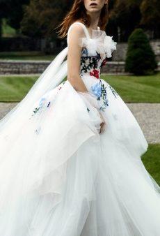 40 Fairy Tale-Worthy Wedding Gowns From New York Fashion Week: Bridal Fall 2019
