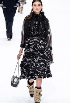 See Every Look From the Chanel Fall 2019 Runway, Karl Lagerfeld's Final Collection