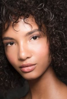 The Best Clear Mascaras to Master That Au Naturel Look