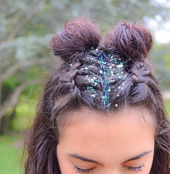 Two Buns Hairstyle 19 Ways To Wear Double Buns Thefashionspot