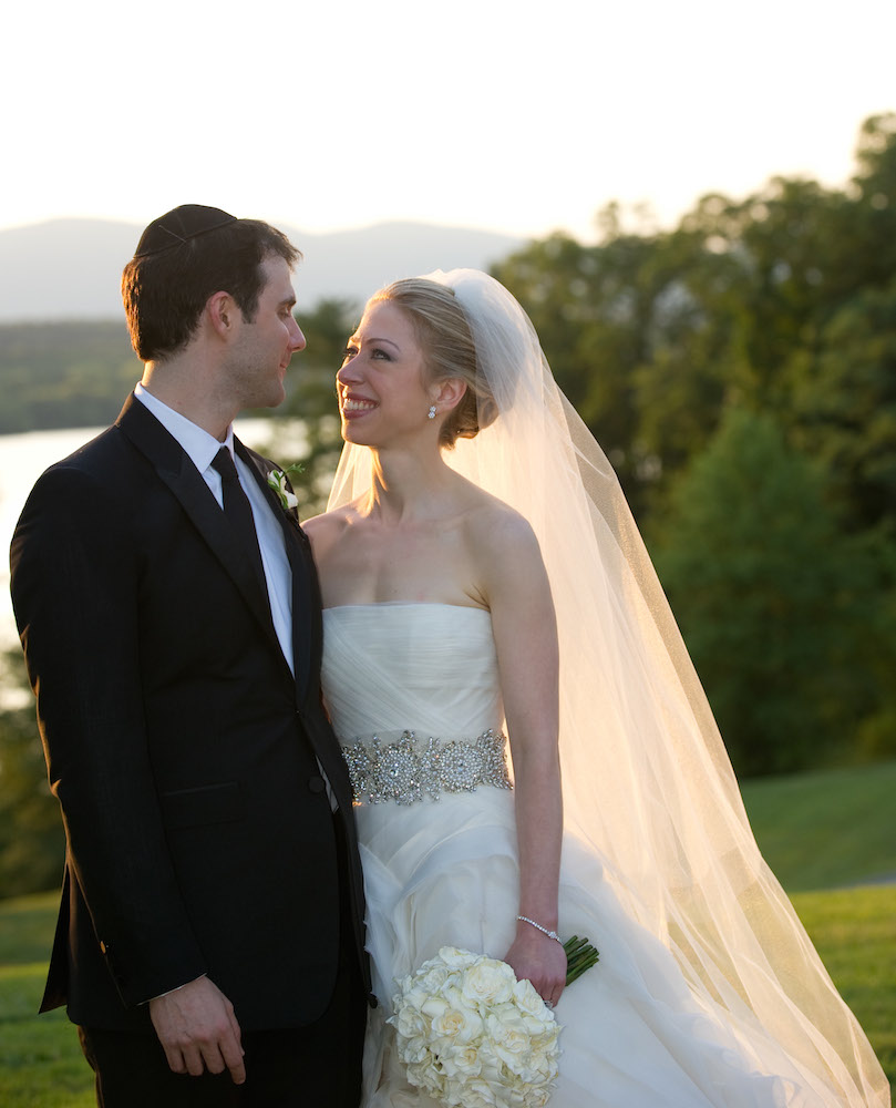 12 Best Vera Wang Wedding Dresses of All Time - theFashionSpot