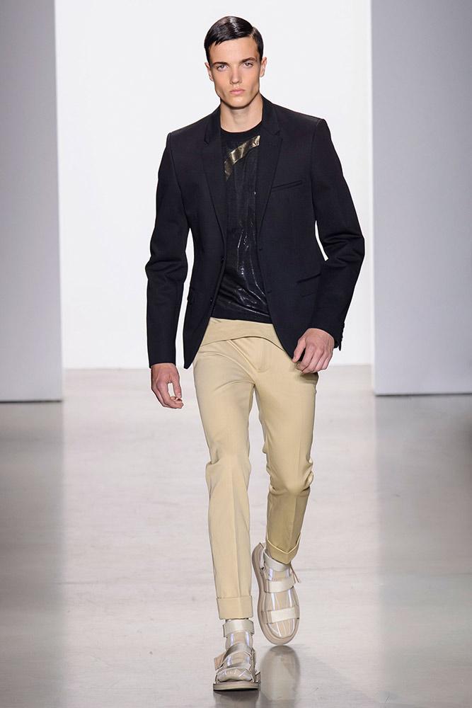 c2281c3d00e81 Calvin Klein Men s Spring 2016 Runway - theFashionSpot