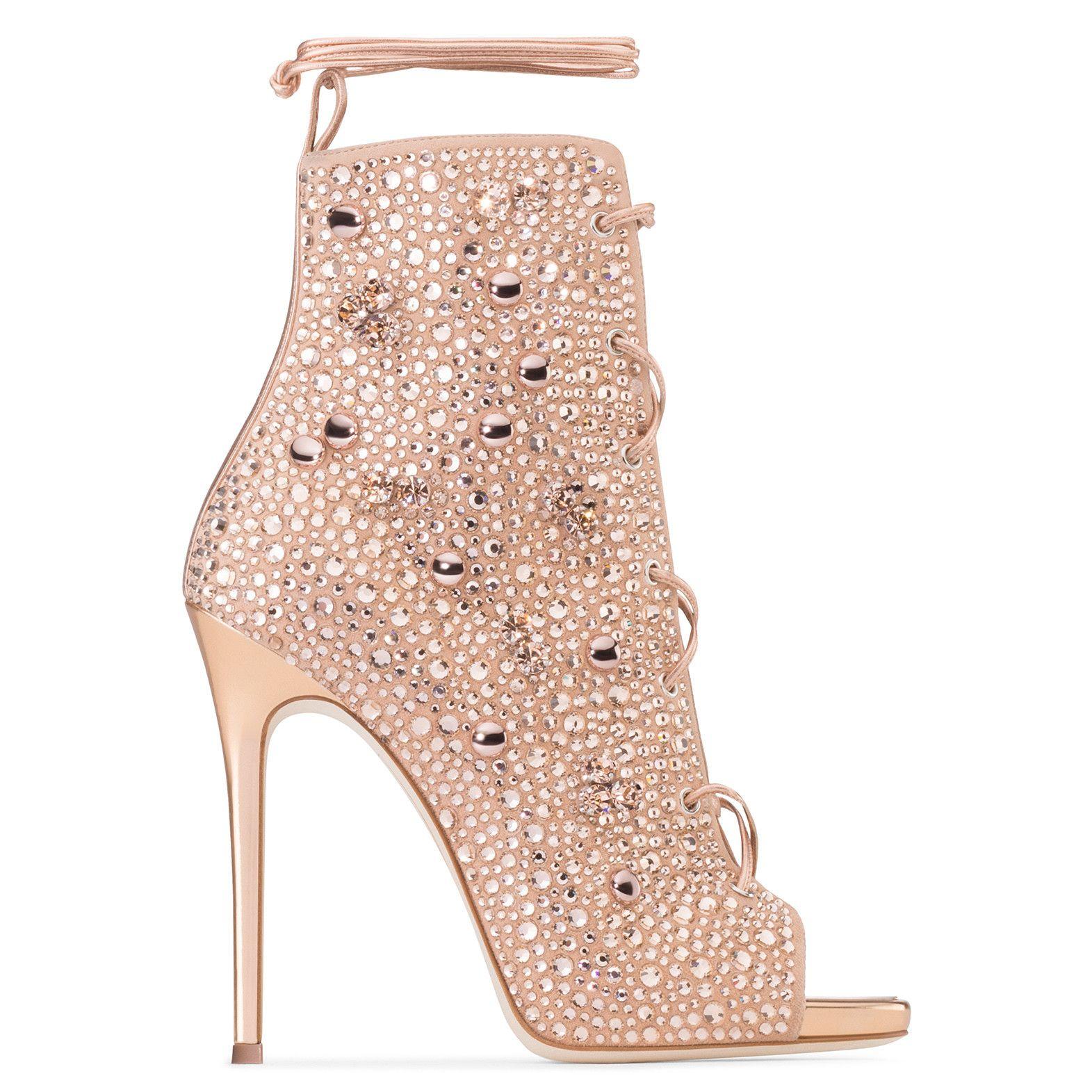 Communication on this topic: GiuseppexJennifer: A cool new shoe collab is , giuseppexjennifer-a-cool-new-shoe-collab-is/