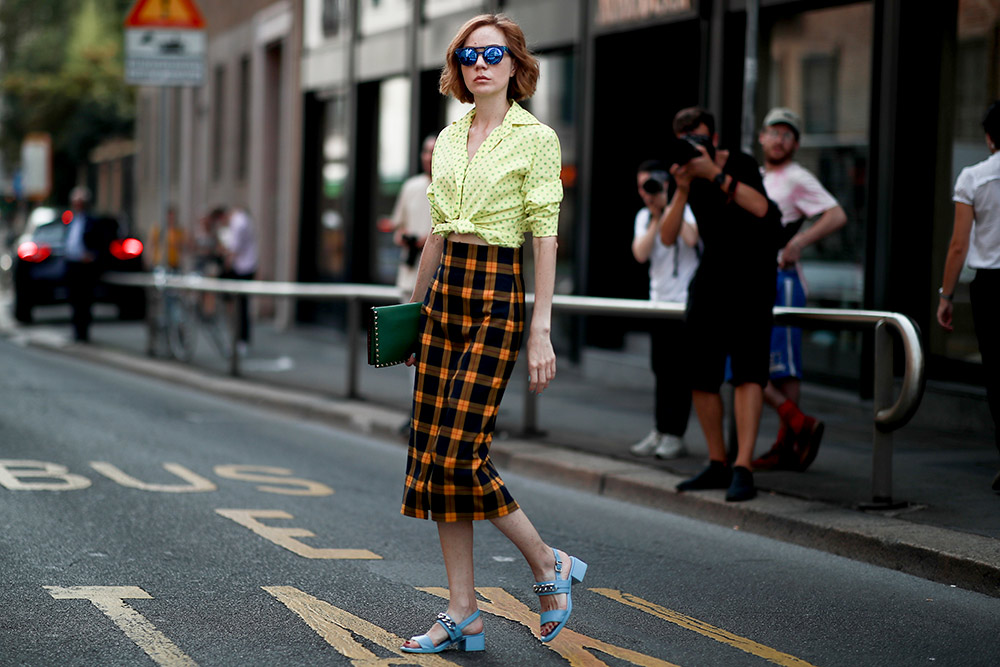 Playfully Mismatched  How to Wear a Button-Down Shirt (But Make It Fashion) as playful match