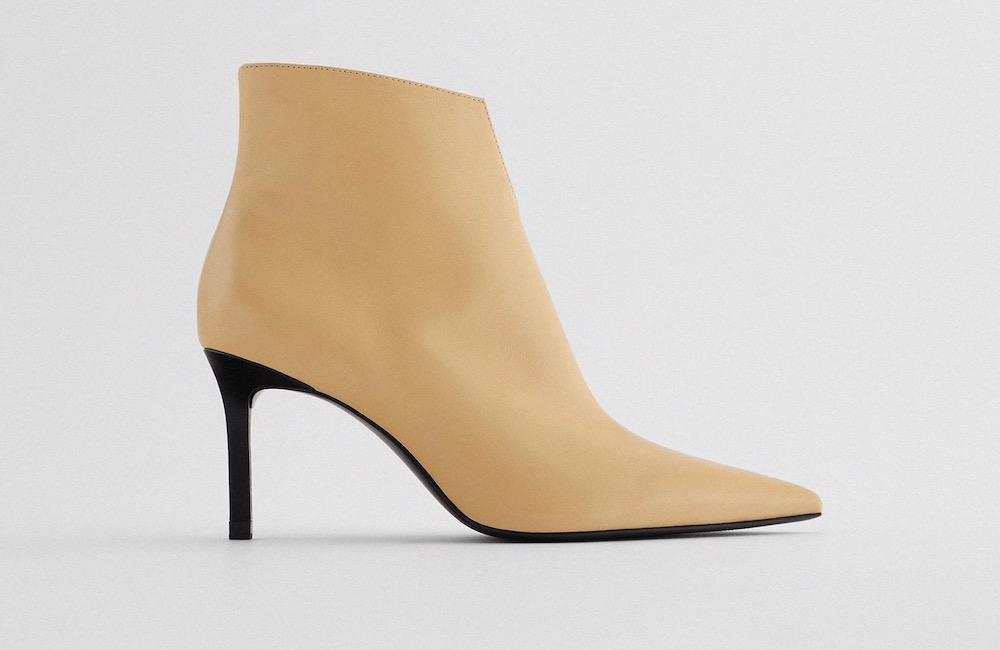 اطلالاتك الخريفية 2020 Zara-Pointed-Leather-Heeled-Ankle-Boots.jpg