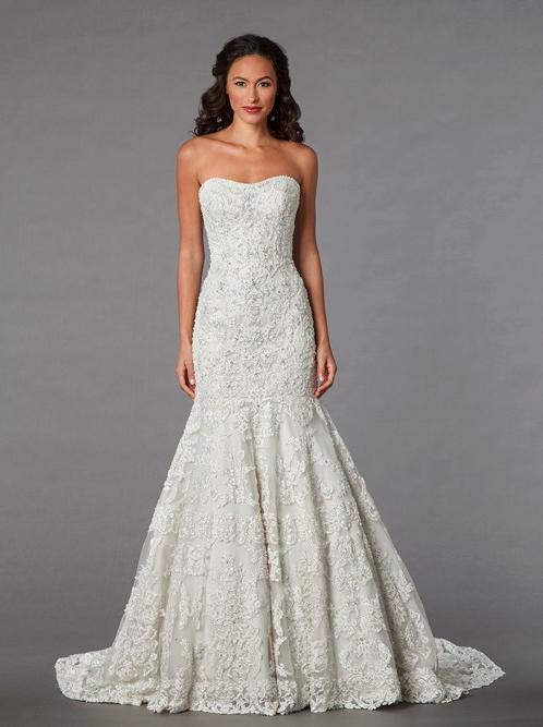 7797f52e38f Gorgeous Plus-Size Wedding Dresses - theFashionSpot