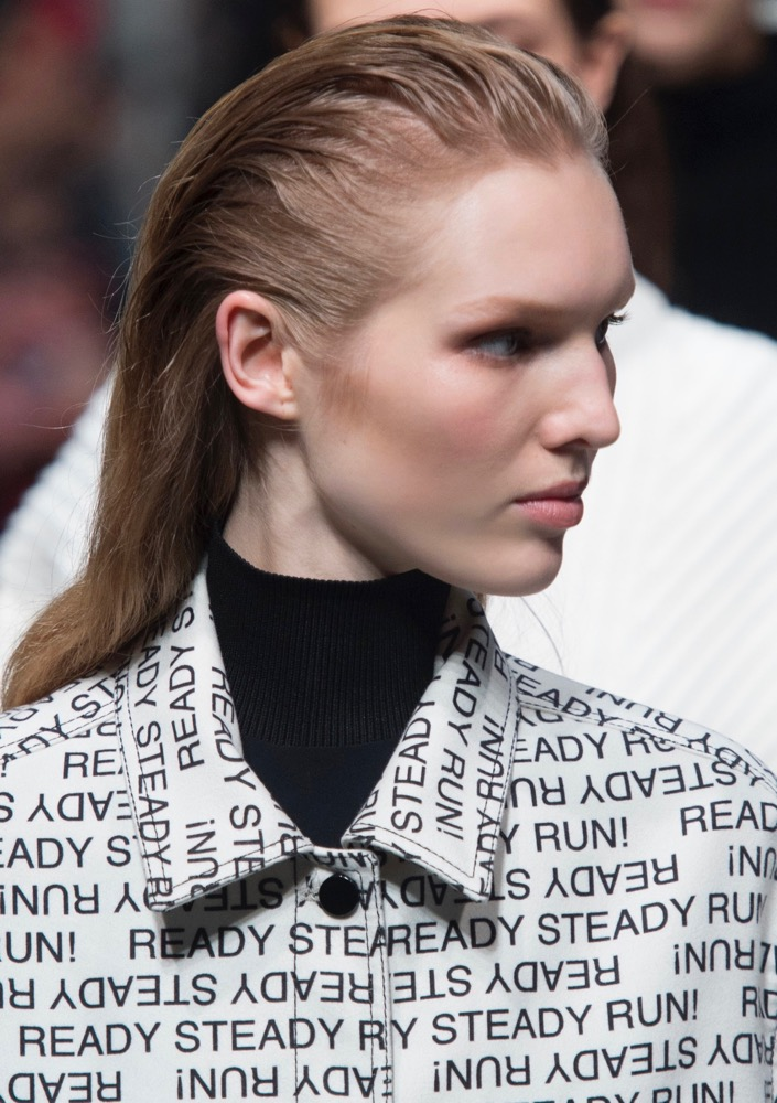 How To Master Slicked Back Hair Aka The Wet Hair Look Thefashionspot