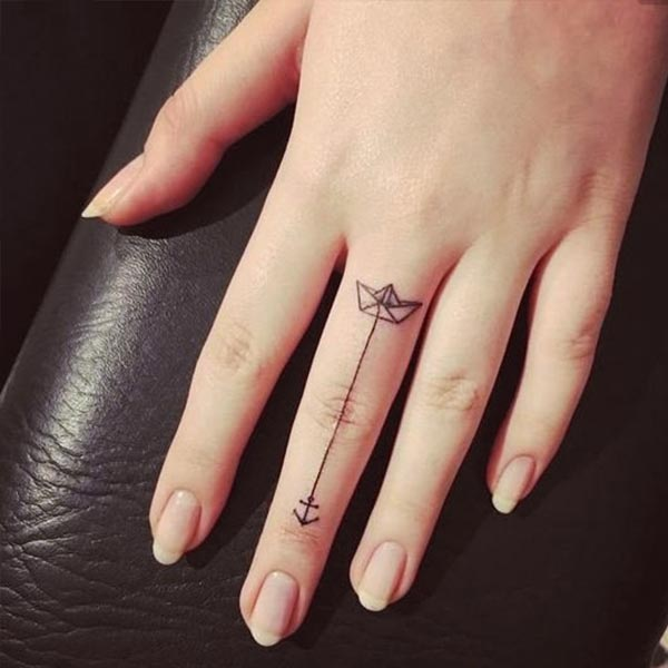 13 Finger Tattoos Prettier Than Your Flashy Rings Thefashionspot