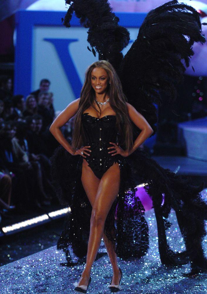 4abf24dcb6a The 101 Best Victoria s Secret Fashion Show Shots Ever - theFashionSpot